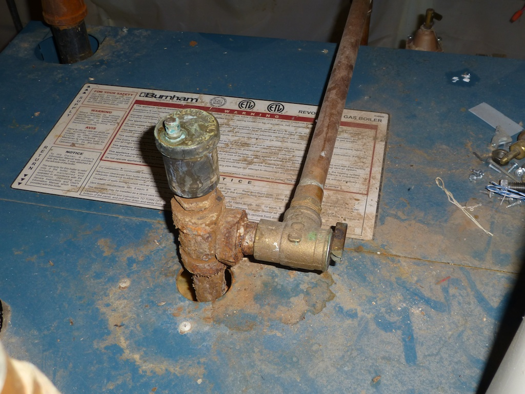 Air removal valve